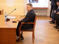 Fico doručil Ústavnoprávnemu výboru ďalšie doklady, ktoré majú dokazovať jeho prax