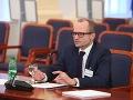 Výbor NR SR vypočul advokáta Štefana Kseňáka, podľa neho čelí Slovensko kríze
