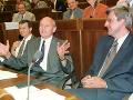 Poslanci zľava Július Brocka, František Mikloško a Gabriel Palacka