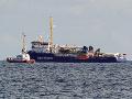 Taliansky poslanci úplne odignorovali zákaz: Vstúpili na palubu lode s migrantmi