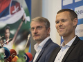 Na snímke sprava slovenský atlét Matej Tóth a Robert Mistrík počas tlačovej konferencie 4. októbra 2017, ktorá bola venovaná očisteniu Tótha z dopingových podozrení.