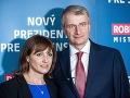 Zuzana Mistríková spolu s manželom Robertom Mistríkom počas ohlasovania kandidatúry 25. júna 2018.