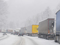 Zima udrela aj v Nemecku: Sneh spôsobil niekoľko nehôd, uzavreté boli aj diaľnice