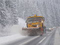 Všetky cesty sú v poriadku: Vodičov môže na niektorých miestach potrápiť sneh