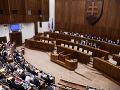 O majetku ministrov, poslancov