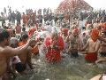 Najväčšie náboženské stretnutie na svete: Posvätného kúpeľa sa zúčastnilo 30 miliónov ľudí
