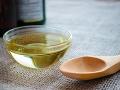 Neznámy petržlenový olej sa