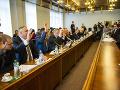 Členovia Ústavnoprávneho výboru Národnej rady hlasovali v prípade Róberta Fica kladne.