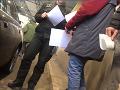 Šok na slovensko-ukrajinskej hranici: VIDEO Colník žiadal 20 eur na kávičku, vraj ide o tradíciu