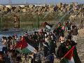 Tragédia počas nepokojov na izraelskej hranici: Pri potýčke s vojakmi zomreli dvaja mladíci