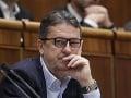 Opozícia odmieta, aby schôdzu viedol Glváč, blokovali diskusiu k zákonom