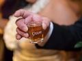 Nevesta zažila svadbu ako z hororu: Ženích chcel zbaliť servírku, toto jej navrhoval