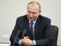 Srbský prezident ocenil Putina za posilňovanie srbskej armády: Vojenská technika bola darom