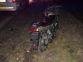 Opitý motocyklista havaroval v stredu v Pustých Úľanoch v okrese Galanta.