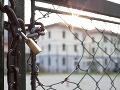 Američan (24) vyhodil z balkóna päťročného chlapca: Súd ho poslal na 19 rokov za mreže