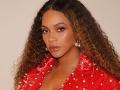 Valentínske rande slávnej speváčky: Beyoncé, veď vyzeráš ako... Ehm-ehm!