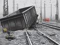 FOTO nehody nákladného vlaku v Krompachoch: Odstraňovanie následkov stále trvá