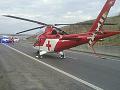 Auto pri Čadci sa prevrátilo na strechu: 27-ročnej žene musel prísť na pomoc vrtuľník