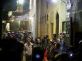 Útok pri obľúbenom trhu turistov: Samovražedný atentátnik zabil troch policajtov