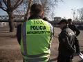 Príslušníci polície SR očakávajúci príchod protestujúcich farmárov