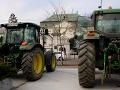 Protesty nespokojných farmárov pred Úradom vlády