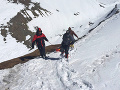 Lavína zasypala hraničný post v Himalájach: Zahynul najmenej jeden vojak