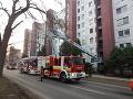 Chvíle hrôzy v Zlatých Moravciach: FOTO V bytovke zostalo uväznených 30 ľudí