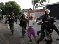 VIDEO Venezuela sa ponorila do hotového pekla: Masívne nepokoje, nekompromisný Maduro