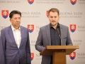 Ján Budaj a Igor Matovič na tlačovej konferencii k odstúpeniu Roberta Mistríka.