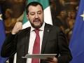 Salvini má dôvod na úsmev: Taliansky Senát ho odmietol zbaviť imunity