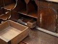 FOTO Žena zdedila starý písací stôl: V tajnej zásuvke objavila hotový poklad