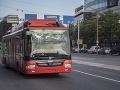Ranný chaos v Bratislave: Po Šancovej ulici nepremávali pre spadnuté vedenie trolejbusy