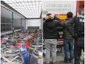 Veľký zásah na colnici v Trnave: FOTO Mladíci sa ukrývali medzi bravčovými črevami!