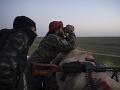 Spriaznenci al-Káidy porušili krehké prímerie: Útok na afganskú armádu má 21 obetí