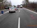 Po čelnej zrážke pri Prievidzi hlásia troch ťažko zranených: FOTO Úlomky z áut pokryli cestu, hotová katastrofa