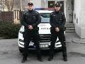 Dramatický zásah v Šenkviciach: Muž so šnúrou okolo krku, policajti mu zachránili život