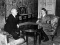 Emil Hácha na rokovaní s Adolfom Hitlerom.