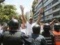 Polícia v Caracase bránila zhromaždeniu prívržencov Juana Guaidóa.