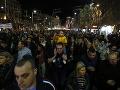Srbsko bolo opäť na nohách: Tisíce ľudí už štyri mesiace protestujú proti prezidentovi Vučičovi