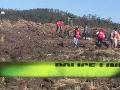 Záchranári prehľadávajú trosky lietadla Etiópskych aerolínií