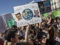 FOTO Študenti po celom svete žiadajú vlády konať proti klimatickým zmenám