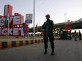 Vo vlaku v Pakistane vybuchla bomba, hlásia tri obete