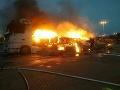 Požiar kamióna na diaľničnom priechode Rajka