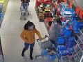 Nepozorná dôchodkyňa prišla o kabelku s peniazmi: Polícia hľadá podozrivú na FOTO