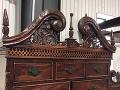 Bazár predáva starú komodu: Bývalí majitelia s ňou prežili nočné mory, v živote by ste ju nekúpili!