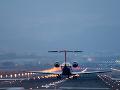 Švédske lietadlo so sto ľuďmi na palube napriek varovaniu o technickej poruche bezpečne pristálo