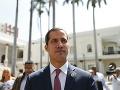 Juan Guaidó má problém: Vyšetrujú ho kvôli fotkám s kolumbijskými kriminálnikmi