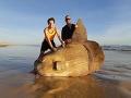 FOTO Rybár narazil na prechádzke na hotové monštrum: Je tak veľké, že potápa lode!