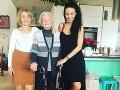 Agáta Hanychová s mamou a babičkou