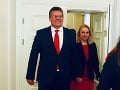 Manželka prezidentského kandidáta Maroša Šefčoviča skončila v nemocnici